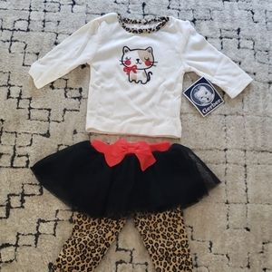 Cute!! 0 - 3 month baby girl set. Leapord/Cat